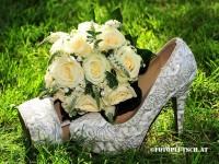 Hochzeitserie Wachau Marie Taferl Brautschuhe Brautstraus paul rosen
