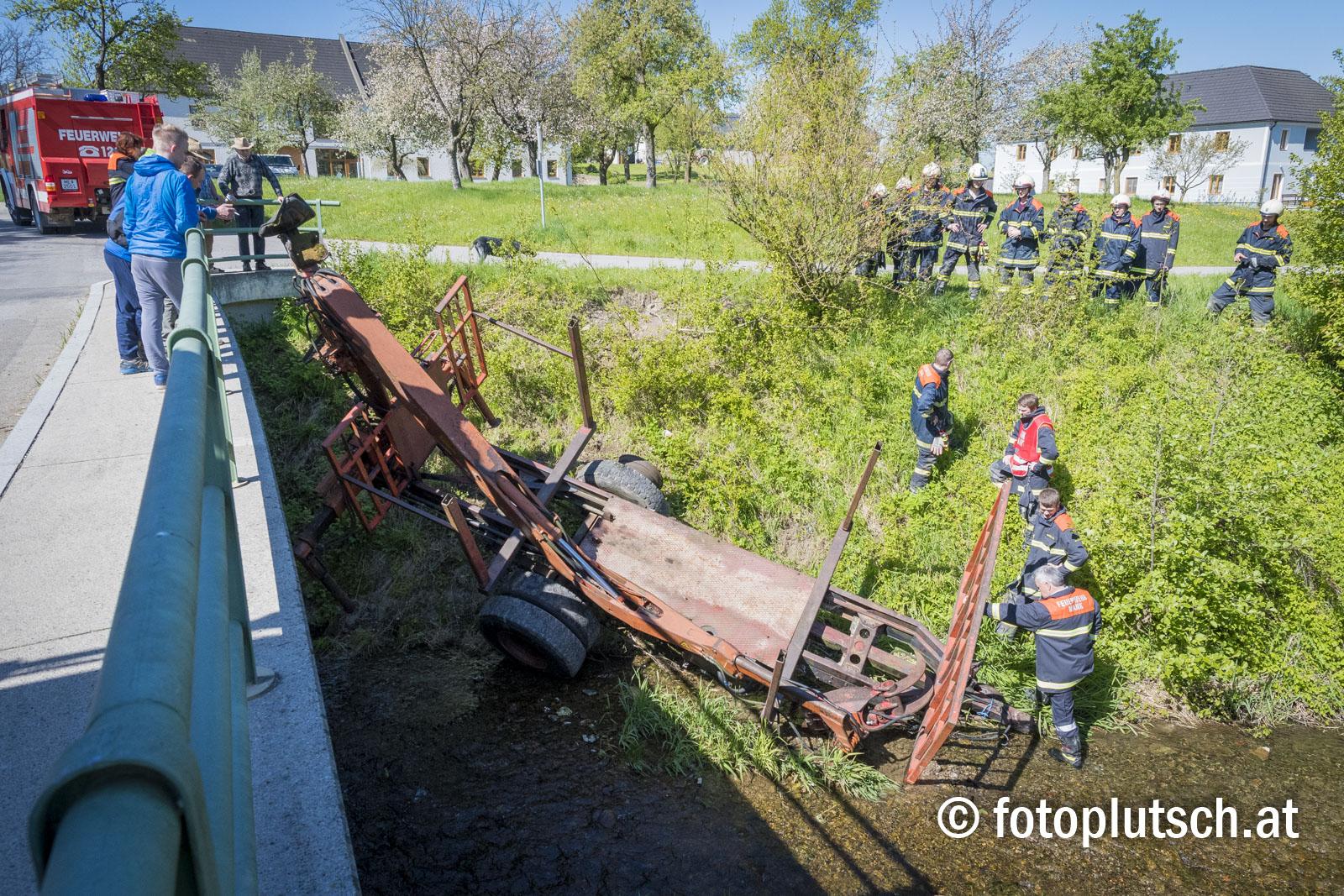 Unfall_mit_Traktor _in_großeigen_Mank_30042016_fotoplutsch 4_